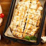 Chlebové tyčinky s cesnakom